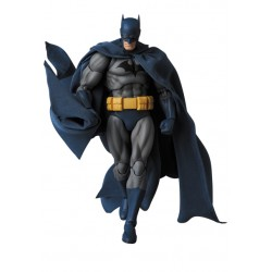 "MAFEX No.105 BATMAN ""HUSH"""